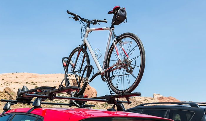how to lock bikes to car rack