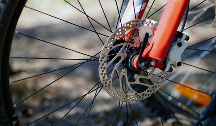 why do my bike brakes squeak