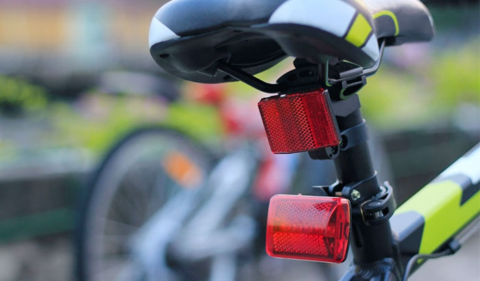 are reflectors required on bicycles