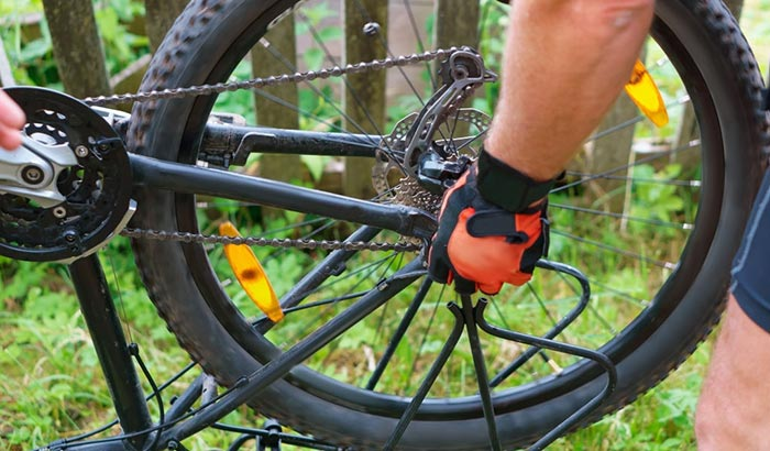 can you put hybrid tires on a mountain bike