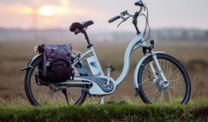 how to fit a pannier on a road bike