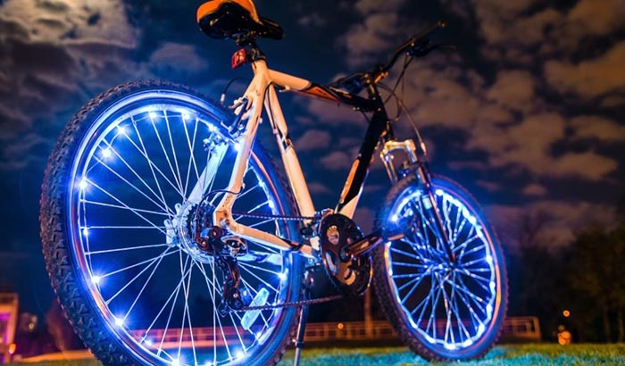 what lights are required on bike at night