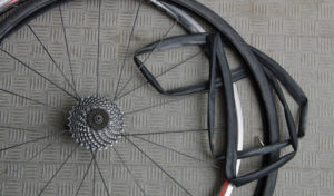 changing an inner tube without tire levers