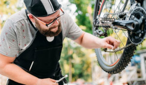 how tight should a bike chain be