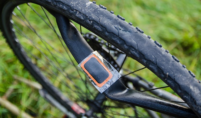 how to change a bike tube without tire levers