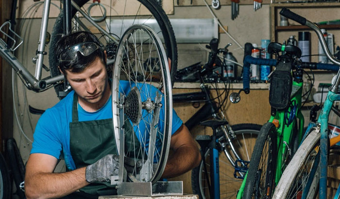 how to straighten a bent bicycle rim