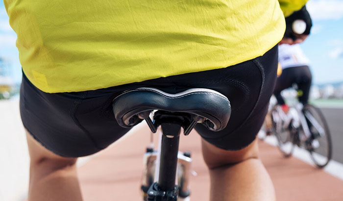 is there a right way to sit a bike saddle